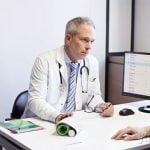 Lời khuyên của bác sỹ về máy đo huyết áp